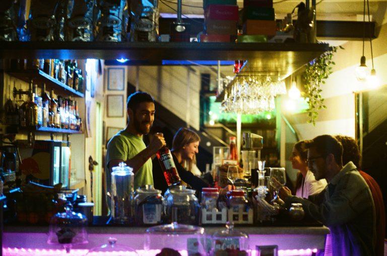 Comment mettre en place une culture interne positive dans son bar ?